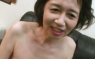 Michiyo Fukumoto always takes a bath before sucking on her lover's prick