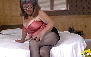 Horny busty mature latina pleasing her chubby pussy with fingers