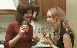 Mature Russian ladies in the kitchen go further than a party