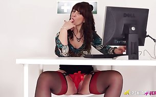 Kinky upskirt vid of lusty Toni Lace who flashes her hips and panties