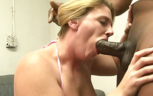 Hungry for cock mature woman takes her lover's chocolate dong for a test drive
