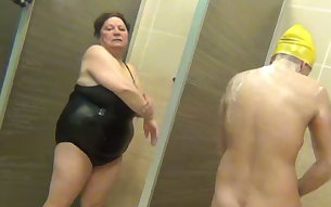 Curvy amateur girl got caught taking shower in the bathroom