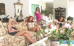 Desperate housewives arrange dirty lesbian orgy at home